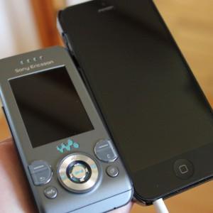 Hvor lenge har du hatt mobilen din? Klarer du å ha den i ett år til? To år? Er det virkelig nødvendig med det nyeste av det nye hele tiden? Foto: UngEnergi