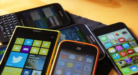Hva er sammenhengen mellom vårt forbruk av mobiltelefoner og konflikten i Den demokratiske republikken Kongo? © flickr.com Jon Fingas https://www.flickr.com/photos/jfingas/10104822523